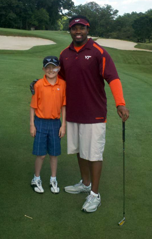 Hunter with the Eagles' Darryl Tapp